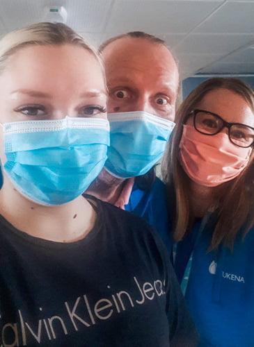 Ohjaajien look on tätä nykyään varsin mielenkiintoinen suu- ja nenäsuojien käytön myötä. Tunnistatko, keitä maskien takana on 😉.