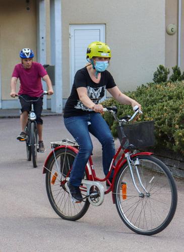 Kenen kanssa lähdet pyöräilemään? Merjan.