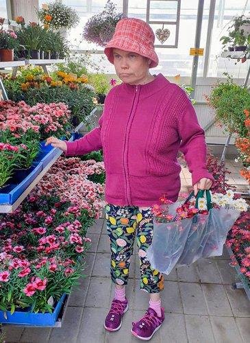 Kukkaostoksilla puutarhalla.